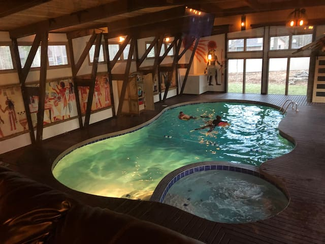 Ryder Cup 2020 - Cozy home with indoor pool!!