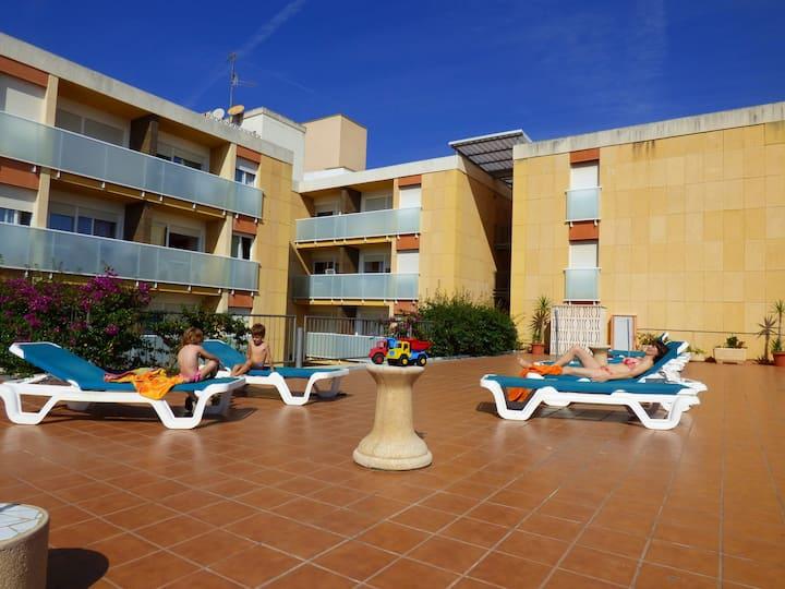 A421D-Céntrico apartamento  a 50 m de la playa con piscina. Ideal para 4 personas