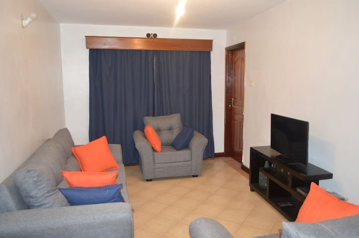 Ambient 2bed 2bath near the airport and town - Nairobi - Lakás