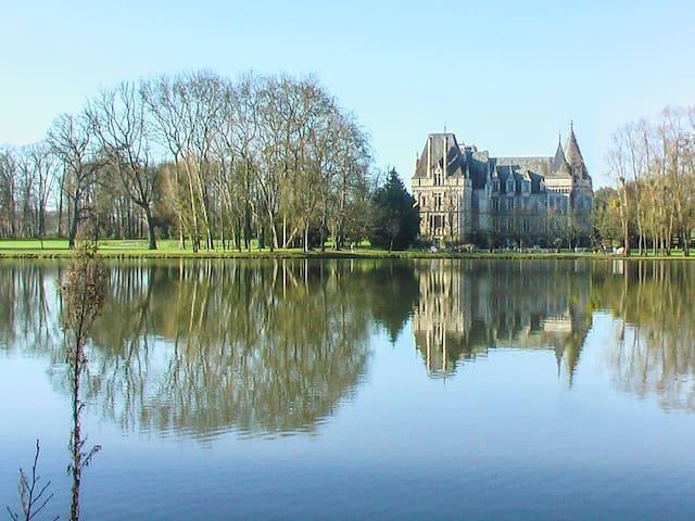 Chateau Abelia Du Lac