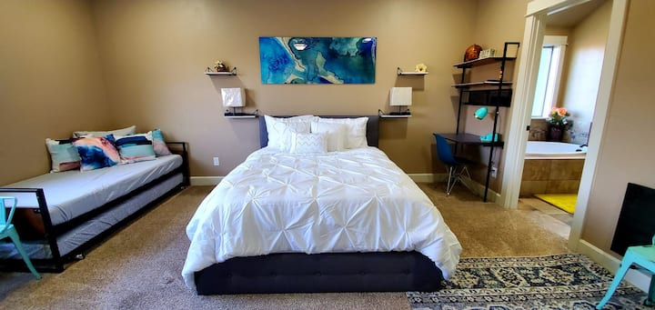 Bella Master Suite with Pool