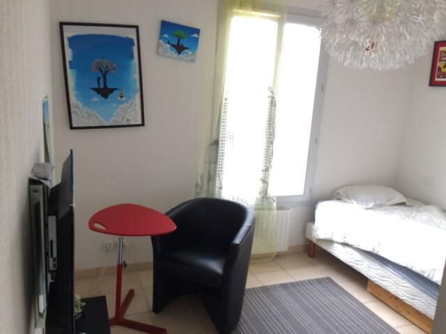 Belle chambre petit prix Cannes - La Roquette-sur-Siagne