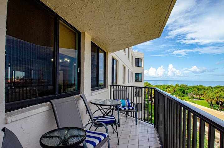 40% off Dec stays***OCEAN view beachside 2BD2BA