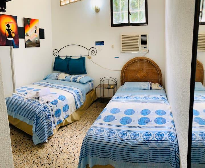 Habitación en hermoso y único Hotel tipo Campestre