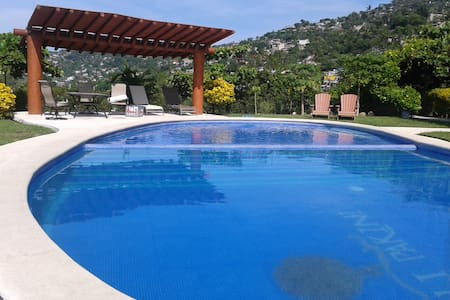 Fully equipped apt. 2rooms, pool. - Zihuatanejo