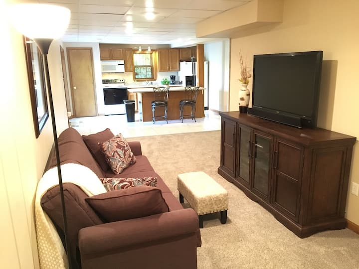 Paddock View - Private Apartment w/ Kitchen