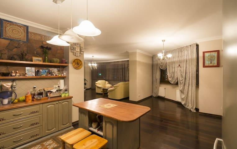 """Апартаменты """"EKATERINODAR"""" - Krasnodar - Leilighet"""