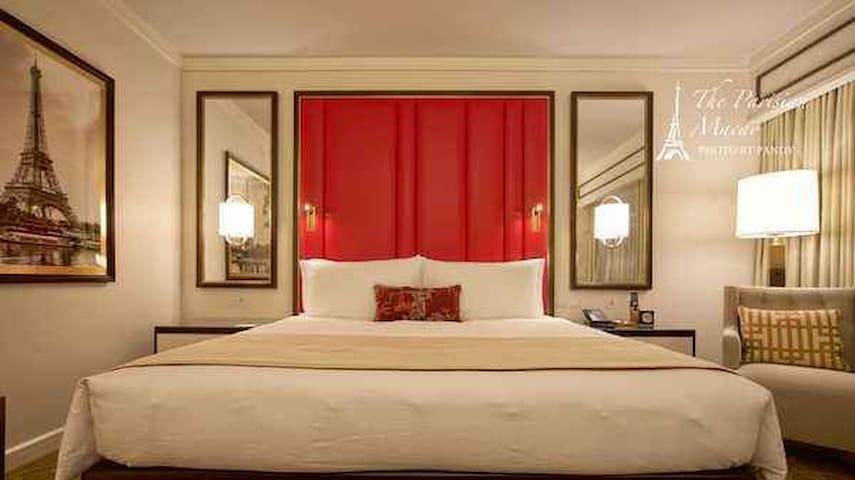 澳门巴黎人酒店豪华大床房