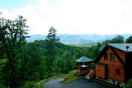 A Wilderness Hideaway - Whittier - Cabin