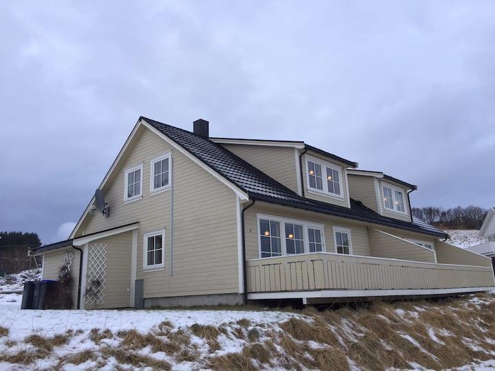 Lofoten: pen leilighet mellom Svolvær og Leknes