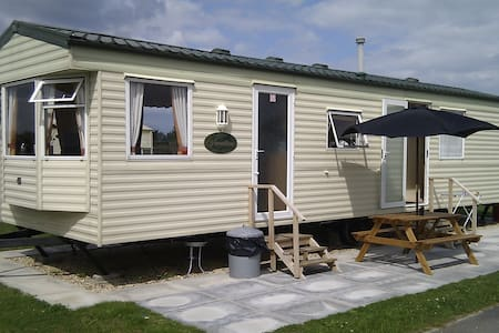 8 Berth Static Caravan At Golden Palm Resort.