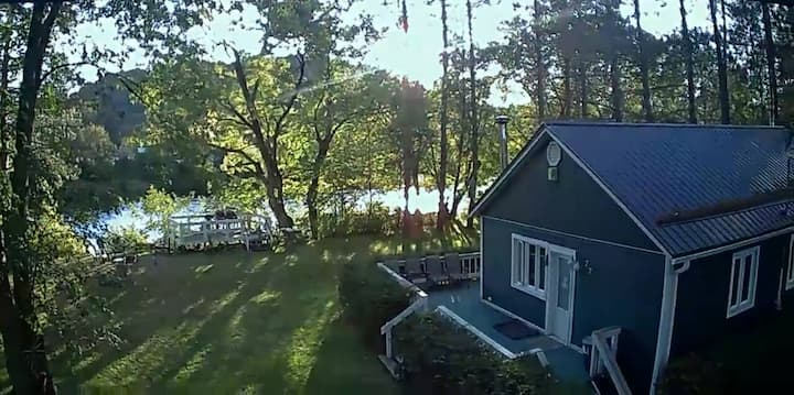 Chalet sur la rivière / cottage on the river