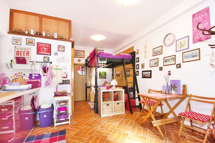 Cozy purple studio