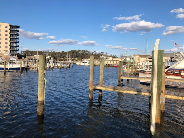 Coastal Camper at Marina (Boat Slips Available)