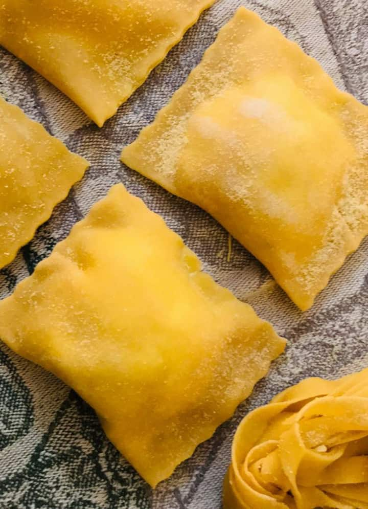 Ricotta and herbs ravioli