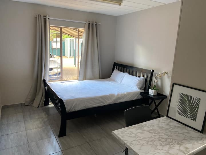 Bernards Studio apartment in Potchefstroom