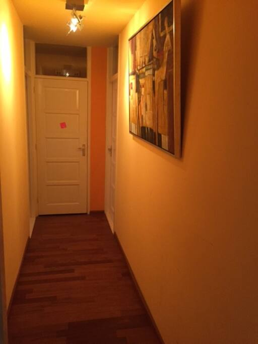 Corridor to the bathroom/WC