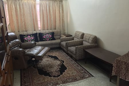Whole apartment in city-wifi,AC,TV! - Kolkata