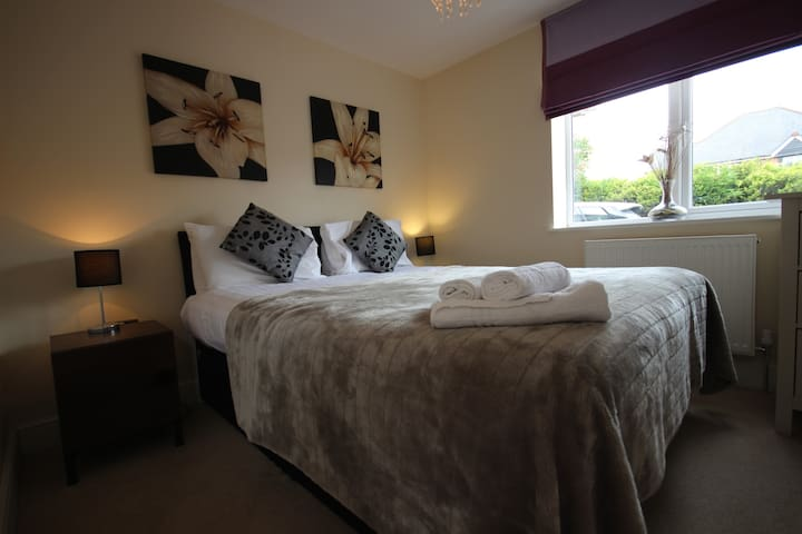Newbury West A, Serviced Apartments, Free Wi-Fi - Newbury - Lägenhet