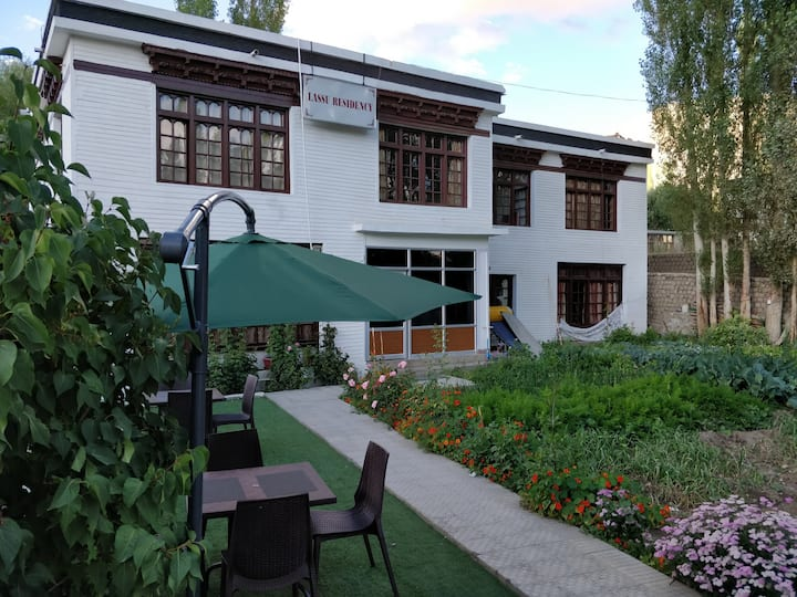 Lassu Residency.