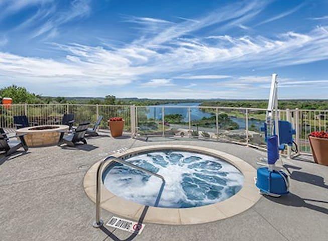 Beautiful 3BR Condo in Brand New Resort!