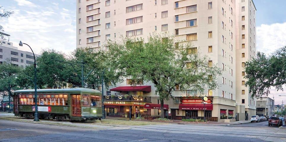Wyndham Avenue Plaza ** 1BR