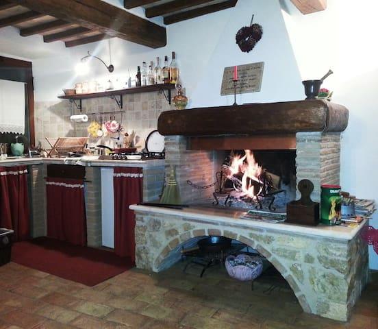 Caratteristico app. centro storico - Montecchio - Apartemen