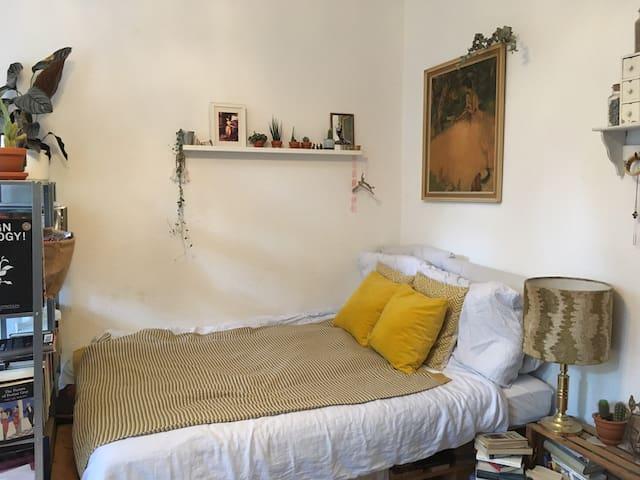 Kleines Apartment im Belgischen Viertel