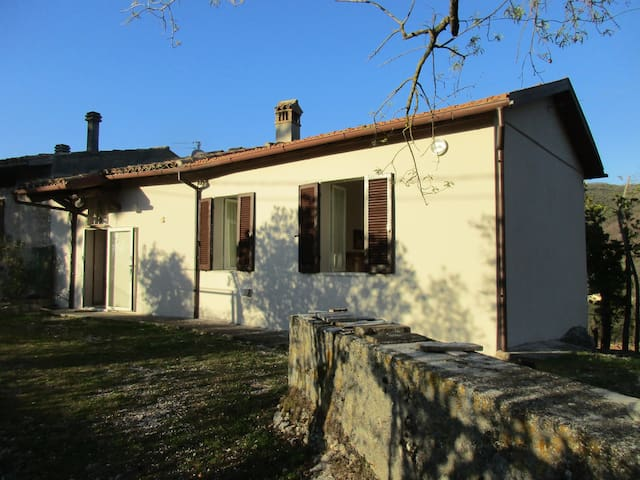 Casa di campagna Borgiano