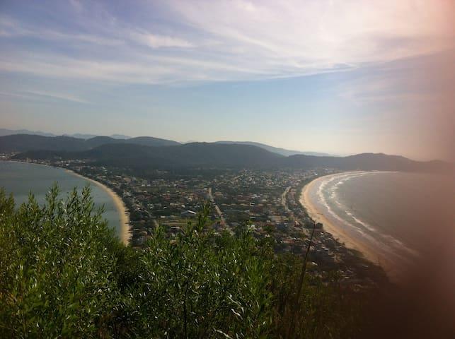 Vista do Morro do Macaco, Mariscal.