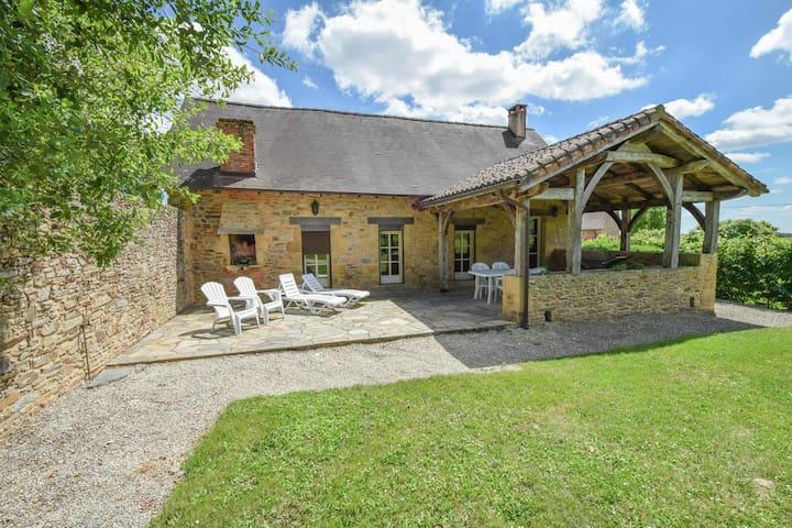 Cottage a Saint-Médard-d'Excideuil con interni autentici