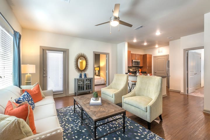 1BR luxury apt centrally located in Keller