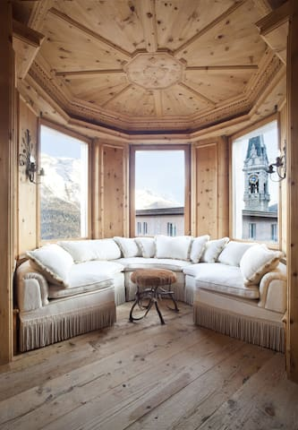 Amazing 3-bedrooms w. Mountain View - Saint Moritz