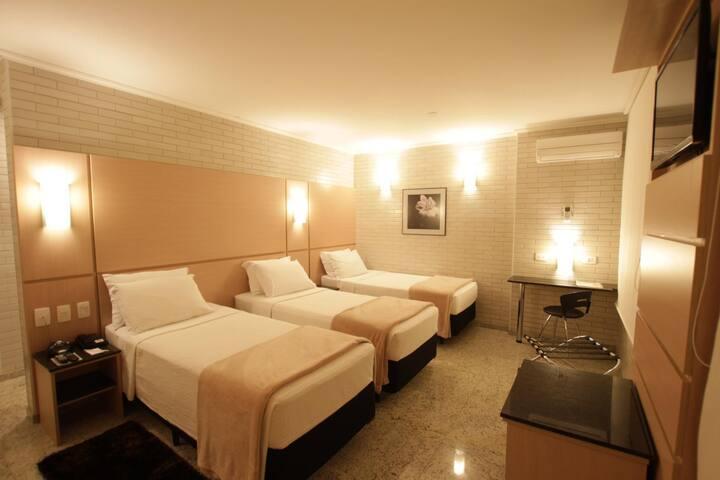 Hotel Confiance Prime Batel - STANDARD TRIPLO TWIN
