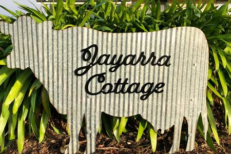 Jayarra Cottage | Free WiFi, Family & Pet Friendly