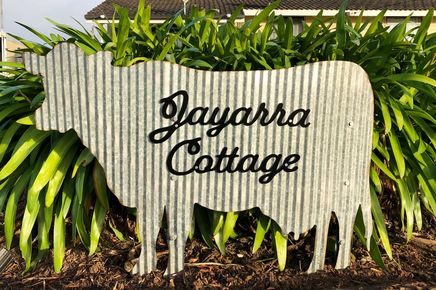 When arriving look out for the Jayarra Cottage cow sign at the front of the property.