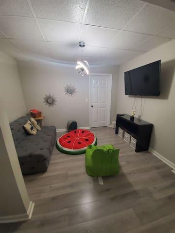 Four Walls Suite