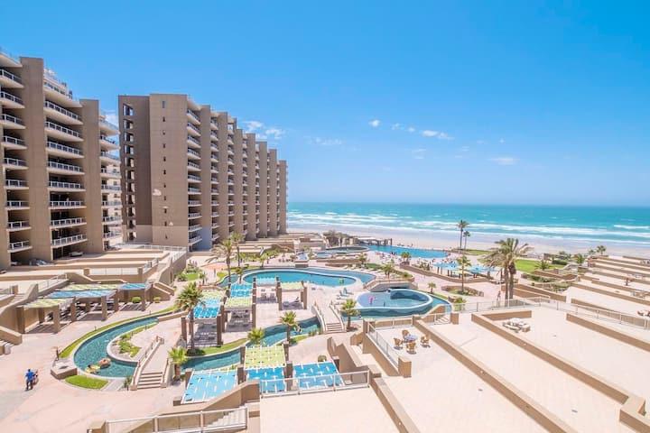 Beach Fun in Luxury - Las Palomas Resort