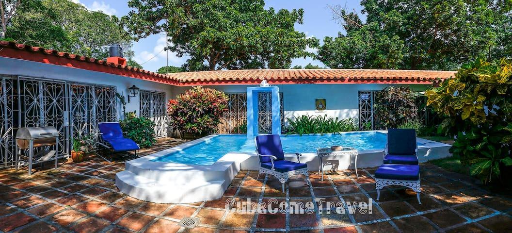Luxurious Villa La Ceiba with a Heavenly Pool