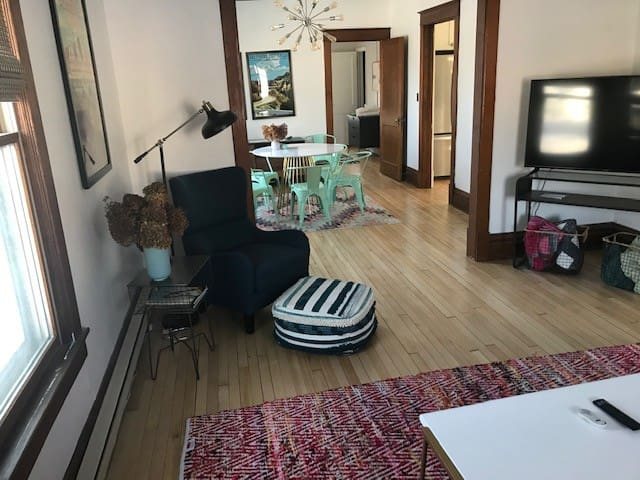 Renovated Main Floor Apartment Close to the Action