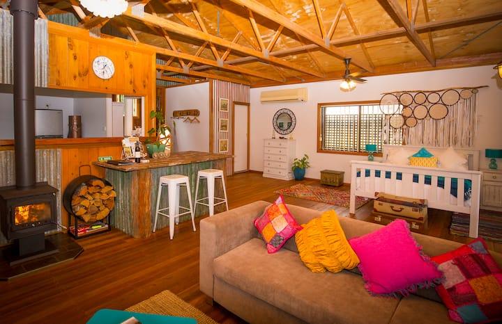 PEPPERCORN CABIN    Rustic, romantic retreat