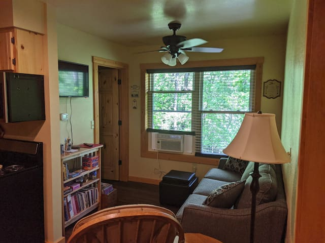 Relax, read, watch a dvd, play a game, work a puzzle! You will find an assortment of board games, puzzles, cards, poker chips, books, paper and colors to use during your stay.