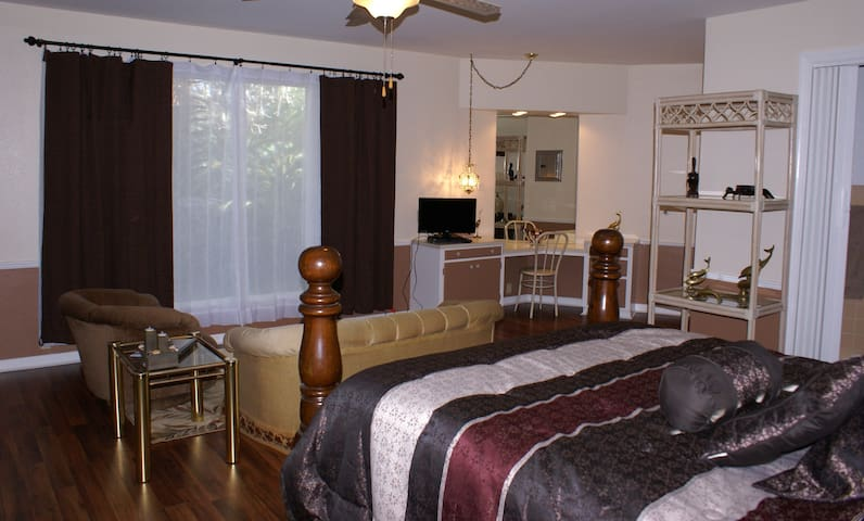 Anthony's by the Sea - Bed and Breakfast - Rockport - Bed & Breakfast