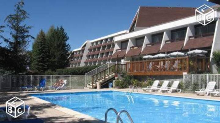 Studio piscine Du 1 au 15 sep UNIQUEMENT