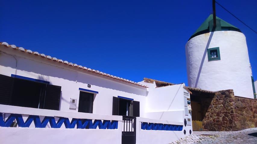 Casa Vila Do Bispo - 5 hóspedes