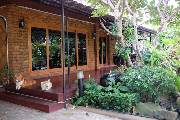 Cosy home near the heart of bangkok