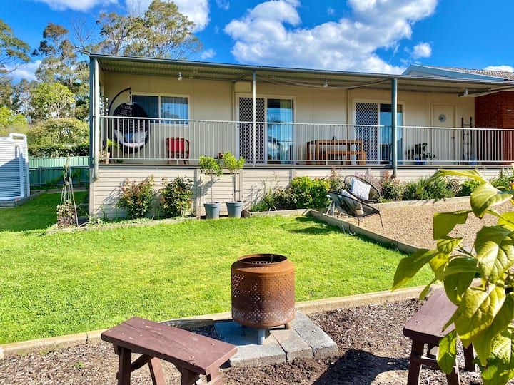 Entire Guesthouse - Moruya.  Brambly Cottage
