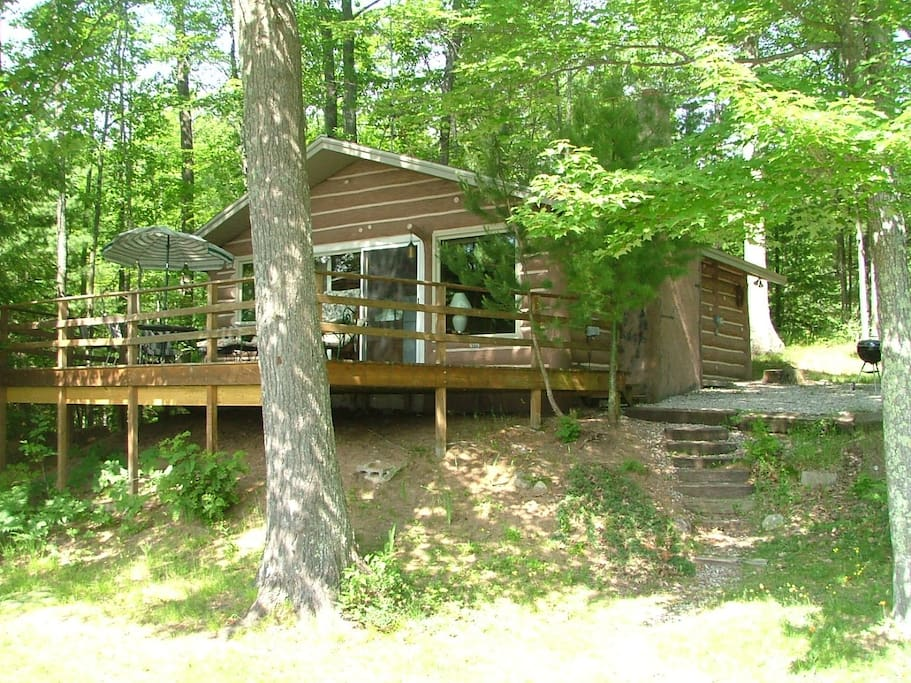 Private secluded on the lake in the woods cottages for Michigan romantic cabins