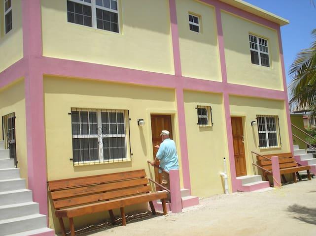 Sea House Apartments - Placencia - Apartment