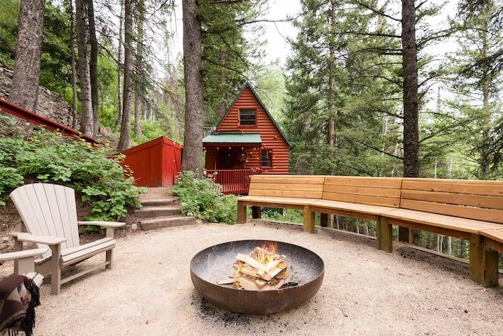 Walk to Lift! Cabin w/ Mountain View & Fire Pit